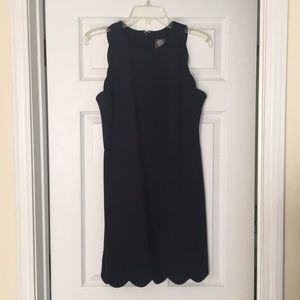 Vince Camuto d Navy Scalloped dress